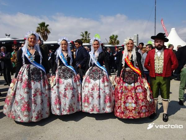Las Hogueras, en la presentación de los nuevos autobuses de Alicante 2016